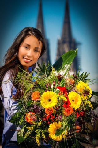 Portrait Blumen Kölner Dom Girl Fotograf Lothar Drechsel Mönchengladbach