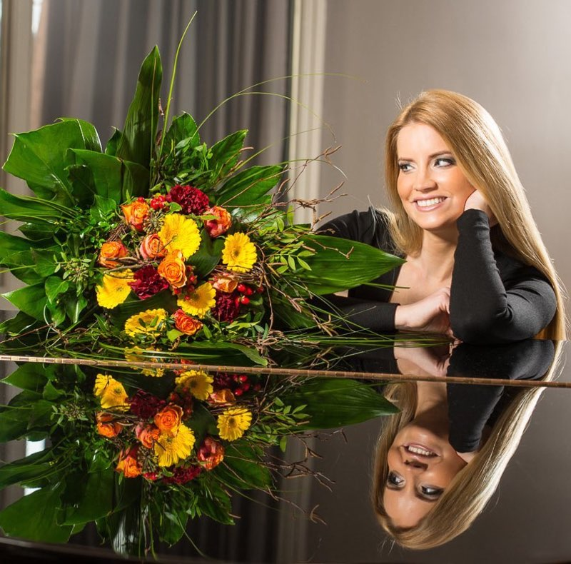Portrait Blumen Girl Fotograf Lothar Drechsel Mönchengladbach